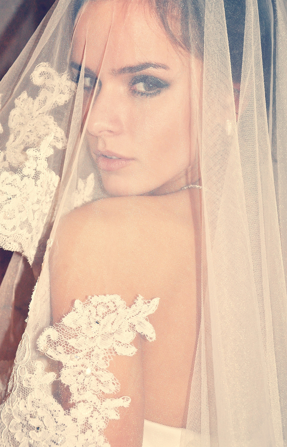 Tylko na zewnątrz W roli głównej: suknia ślubna. Jak ją dobrać do swojej sylwetki SZ73