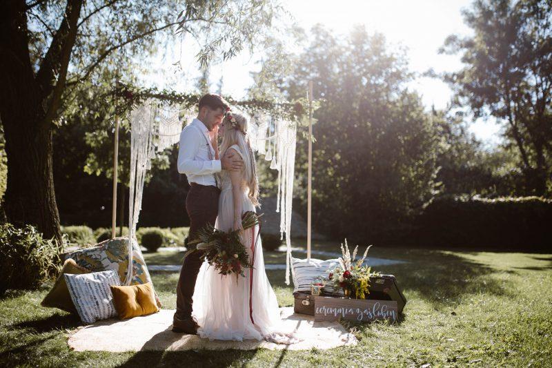 ca906b0a95 Przyjęcie weselne na łonie natury - jak zorganizować ślub w plenerze ...